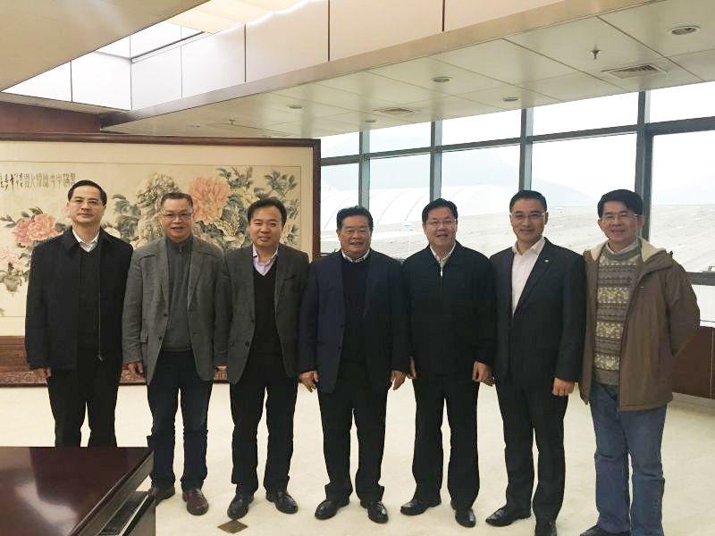 张彦书记、朱崇实校长拜访福耀集团曹德旺董事长